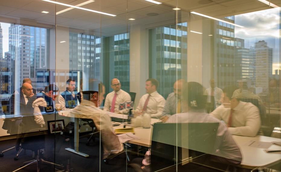 morning-meeting_t20_pxNYK8